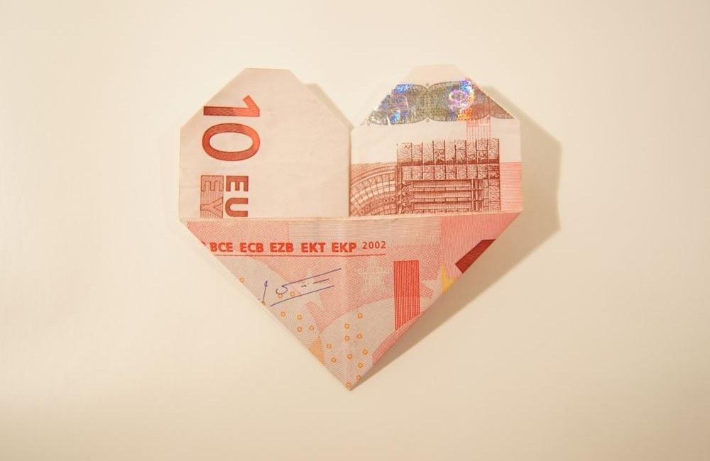 Geldscheine Einfach Und Schnell Zum Herz Falten Inkl Anleitung
